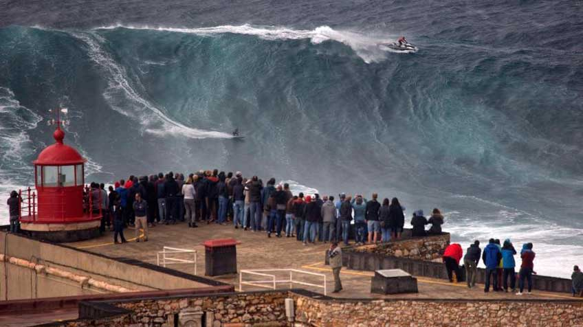 Nazare-big-wave-challenge