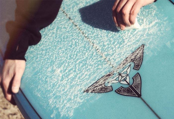 surfboard-waxup
