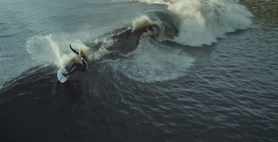 Kelly-Slater-man-made-wave